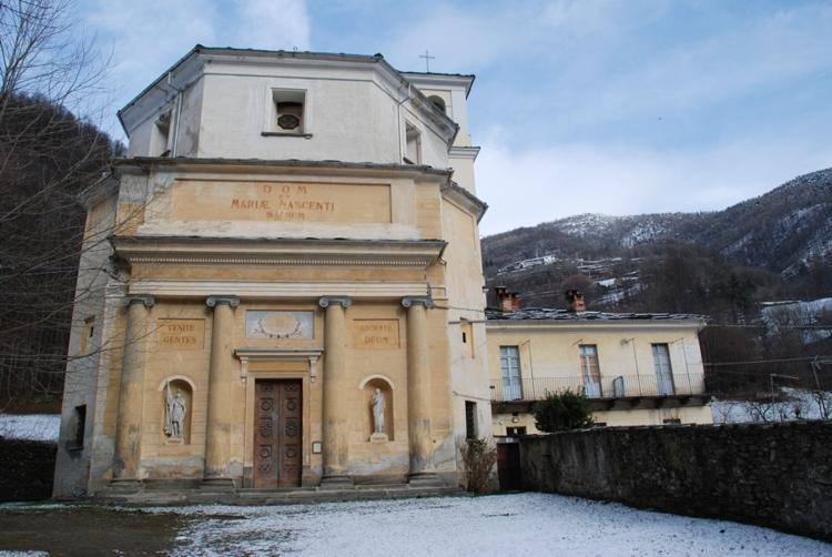 Rue di Pramollo - La chiesa